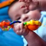 <b>Зачем младенцу погремушка</b>