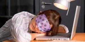 Причины рези в глазах: лечение