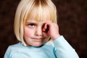 Как лечить сухость глаз