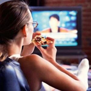 От телевизора толстеют быстрее, чем от неправильного питания