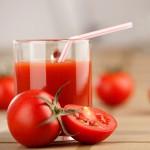 <b>Томатный сок нормализует давление и устраняет проблемы с дыханием</b>