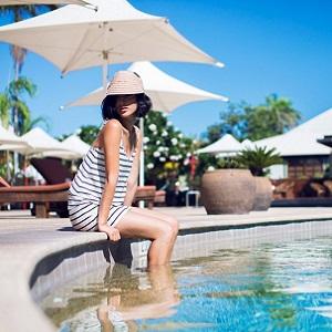 Солнцезащитный крем не защитит на отдыхе у отрытого бассейна