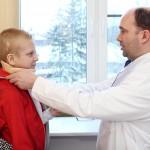 <b>Причины детских травм позвоночника – что делать при подозрении на травму у ребен...</b>