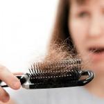 Эксперты доказали, что осенью волос выпадает больше всего