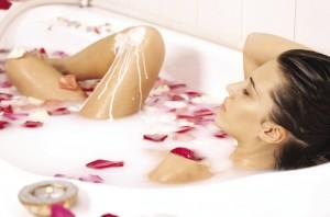 Почему запрещено принимать ванну после родов
